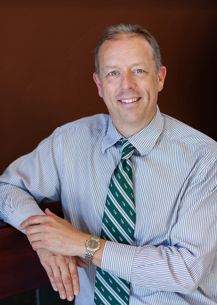 retina doc, Dr. Peter Francis headshot